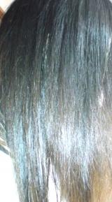 「クリーム状で使いやすくて 髪の毛がしっとりと落ち着いてくれます☆ サキナ ヘアエッセンス」の画像(5枚目)