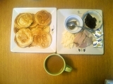 スマイリーパンケーキ、久々のサブウェイ、すきみたらのムニエル、柏餅の画像(1枚目)