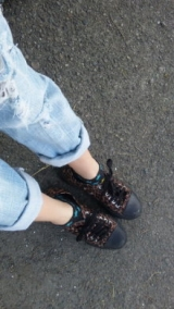 「お気に入りの汚れた靴で」の画像(1枚目)