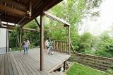 美しいピクチャーウインドウと重量木骨の家の画像(2枚目)