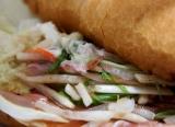 ミラノサンド チキンと生ハムのアドカドソース~ゆず胡椒風味~、食べてみましたの画像(2枚目)