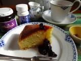 手作りチーズケーキに超美味しいブルベリーのコンフイチュール♪とブルベリーのサプリ♪の画像(1枚目)