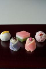 鈴懸さんの節句菓子『女雛』と『雄雛』の画像(2枚目)