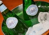 ホムパのオシャレ演出に欠かせない『サンペルグリーノ』は瓶の方が断然おしゃれ♪の画像(2枚目)