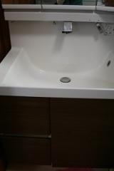 DIYガラスコーティングで、買った時より、洗面台がピッカピカに!!