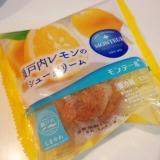 モンテール:瀬戸内レモンのシュークリームを食べてみました。の画像(1枚目)