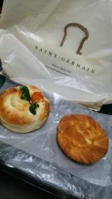 サンジェルマンさんでパン貰いました☆の画像(1枚目)