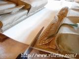 ハイヒールなのに足に負担がかからないAKAISHIアカイシのサンダルで脚長効果抜群【口コミ・使用体験談】の画像(3枚目)