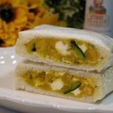 カボチャとクリームチーズのサンドイッチ