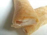 もち食感・手巻きクレープ(カマンベールチーズ)@MONTEURの画像(3枚目)