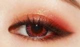 「高密着のツヤと発色を実現したクレヨンアイシャドウ」の画像(1枚目)