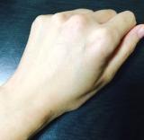「肌の奥まで浸透し、潤いと白い肌へと導く『フラーレストクリームFin』 」の画像