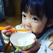 初めてお箸で上手に食べた!