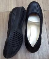「ムレない&足が痛くならない万能ペタ靴  #アーチフィッター  #132フラットプレーンパンチング #AKAISHI」の画像(4枚目)