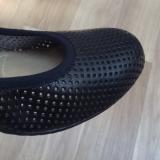 「ムレない&足が痛くならない万能ペタ靴  #アーチフィッター  #132フラットプレーンパンチング #AKAISHI」の画像(3枚目)