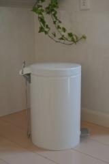 「インテリアにもなるブラバンシアの素敵なダストボックスとウールブランケットをお洗濯。 | merci cafe - 楽天ブログ」の画像(2枚目)