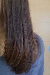 「ヘアブラシ型アイロンであっという間にサラ艶髪に」の画像(3枚目)
