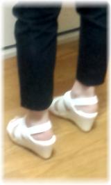「まるで足のベッド!?<夢展望>フットベッドサンダルを履いてみました」の画像(5枚目)