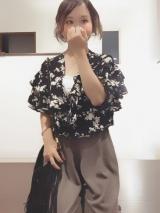 ブラック×花柄で甘くなりすぎずコーデ\(^o^)/の画像(2枚目)