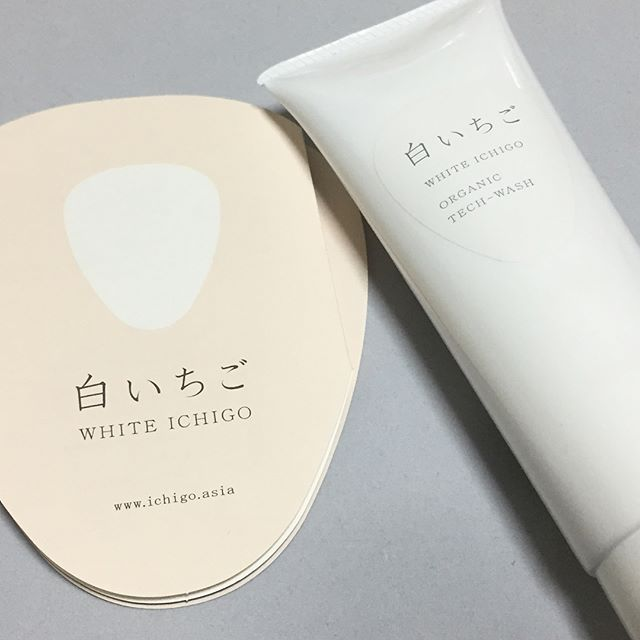 口コミ投稿:WHITE ICHIGO ウォッシュ✨硬めの洗顔料でラベンダーのすごく良い香りがします。超濃…