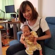 1ヶ月の娘と
