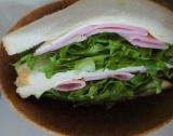 「   美味しいロースハムとベーコンで、ハムサンドにナポリタン 」の画像(2枚目)