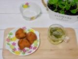 「安室養鶏場のサーターアンダギーと蓮葉茶」の画像(5枚目)