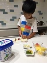 子供達が作るフルーツサラダ☆の画像(1枚目)