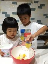子供達が作るフルーツサラダ☆の画像(4枚目)