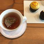 ん?次男くん突発の予感🤒機嫌わるすぎ…  一瞬寝たうちに#ハーブティー で#一休み#ほんわかさん から頂いたハーブティーは#リラックス効果 のある4種の茶葉からできています🍃な…のInstagram画像