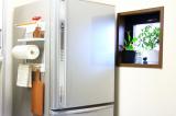 コレ便利!冷蔵庫にペタンッと貼り付く北欧風の収納ラックで見せるキッチン収納にチャレンジ!の画像(1枚目)