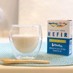 ヨーグルト大好き🥣💕Amazonでも評価の高いホームメイドケフィアを試してみました🥣✨牛乳か豆乳に種菌を入れて24時間放置するだけ🥛✨酸味やクセがなく食べやすいし、効果は1日で…のInstagram画像