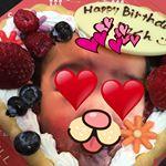 息子は四月で一歳だけどどんな風に仕上がるのかと写真入りケーキやってみたらめっちゃ可愛いじゃないか!(笑)これはみんな喜ぶ!誕生日会の用意を今からしなくては💦甘くて美味しかった!#フォトジェ…のInstagram画像