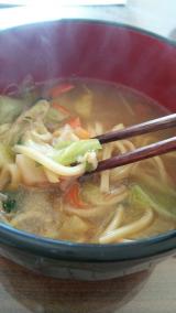 新商品「お水がいらない 1/2日分の国産野菜が摂れるタンメン菜宝」  お昼ごはんの画像(9枚目)