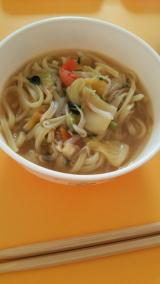 新商品「お水がいらない 1/2日分の国産野菜が摂れるタンメン菜宝」  お昼ごはんの画像(1枚目)