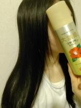 「パサつく髪に、『大島椿ヘアスプレー』を使ってみました。」の画像(3枚目)