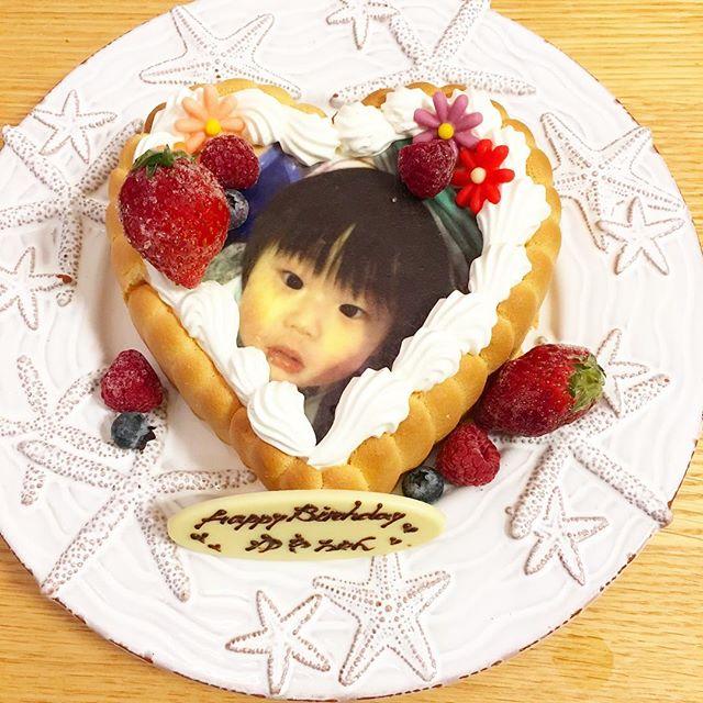 口コミ投稿:ファーストバースデー用に可愛い顔写真入りのケーキ、プレゼントしていただきました💕…