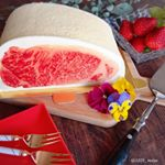 ・・I celebrated my mother 's birthday with a cake that looks like Wagyu Beef steak・・こんにちは…のInstagram画像