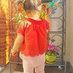雑誌ママガール掲載の子供服ブランド「CANDY CAT」の 夏物 トップスをInstagramモニターさせていただきました❤️ オフショルダーでも着れるステキなデザイン😊🌟袖口や裾がスカラップにな…のInstagram画像