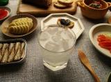 「『ダ・ヴィンチクリスタル ローマ』は大胆なカットが美しい、氷がよく似合うグラス♪」の画像(1枚目)