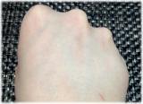 たった30秒でテカらない目立たない【すっぴん風素肌】を作ってくれる化粧下地『シルキーカバーオイルブロック』の画像(4枚目)