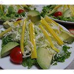 サラダスティックに #瀬戸内レモン風味赤い色のカニカマはみるけど黄色🤩ちょっとレモン風味で爽やかで彩もきれい次はお弁当にも利用してみよう😉サラダで食べてみたどう…のInstagram画像