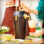 カクテルビールサーバー✨我が家に届きました❤️夏に大活躍👍楽しみ~(⁎˃ᴗ˂⁎)💕💕■特長・お好みの缶ビールやジュースなどを2本入れ、レバーを倒せばビアカクテルをグラスに直接注げる…のInstagram画像