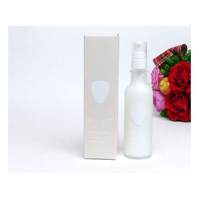 口コミ投稿:稀少な白いちごを使った化粧品「WHITE ICHIGO クリーム」。クリームですが、みずみず…
