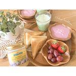 \  lunch * time ☕️ /◎ ホットサンド( キャベツ + ベーコン + チーズ )( 焼きそば + 目玉焼き )◎ フルーツ◎ ア…のInstagram画像