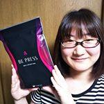 あのベストボディジャパン日本一にも輝いた10頭身で話題のモデル香川沙耶さんとのコラボ商品『BE PRESS』を試してみました♪ 『BE PRESS』は、筋肉に合わせた6つの編地と5段階の加圧パワーで引…のInstagram画像
