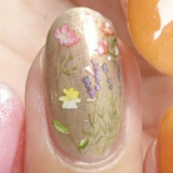 「お花畑のようなボタニカルネイル」の画像(8枚目)