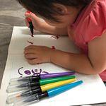 株式会社ドリームブロッサム様のクレヨラ 水でおとせるカラフルふでペン5色を使用しました。洋服、肌などついても水でさっとおとせるから安心!! インクがたれない!インクが飛び散らない!…のInstagram画像