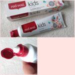 子供も楽しく安全なSLS FREE 歯磨き粉 red seal KIDS!試してみました。多くの歯磨き粉に入っている成分SLSが入っていない物です。ラウリル硫酸ナトリウムがSLSです。これは、…のInstagram画像