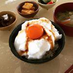 #朝ごはん と言えばこれ!#卵かけご飯〜♡#新鮮 で#美味しい #卵 も大切だけど、かける#醤油 も美味しさを左右する#重要 な#ポイント。まぁね、普通の醤油でも美味しいんだけど…かき…のInstagram画像
